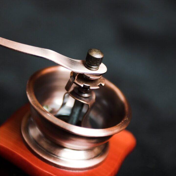 red-coffee-vintage-grinder-2063